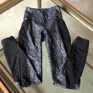 Lululemon size 2 black & white with mesh